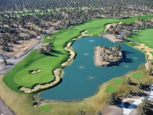 instalación de geotextil en estanque de golf3