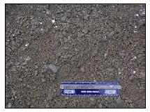 Agregado densamente clasificado para  la capa de superficie.